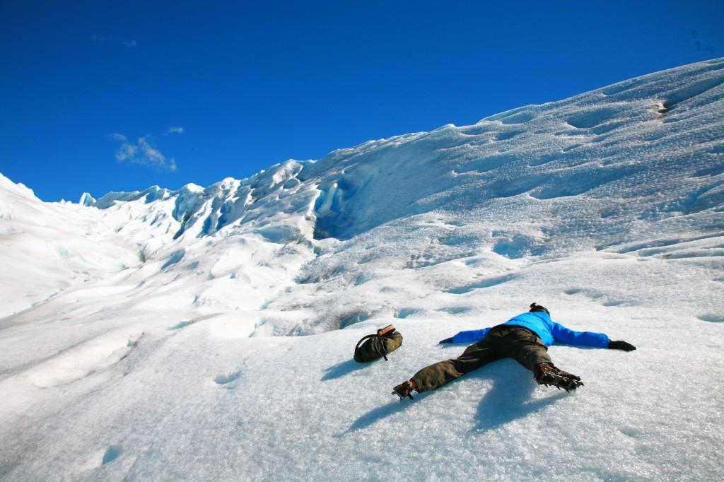 氷河の上で酔っぱらう。