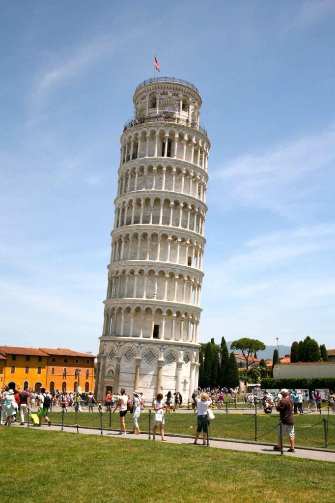 確かにビックリするくらい曲がってるピサの斜塔