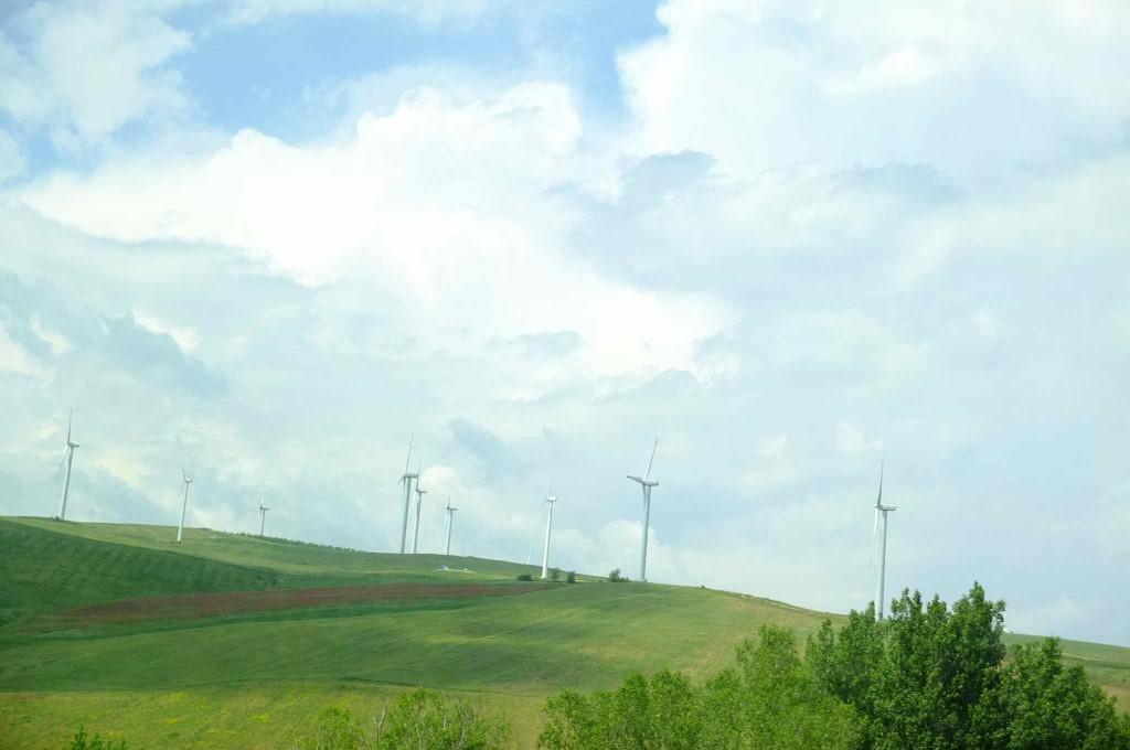 ナポリ〜バーリまでの道中、バス車内から見える景色。あ〜ヨーロッパにいるんだと思わせる景色だった。