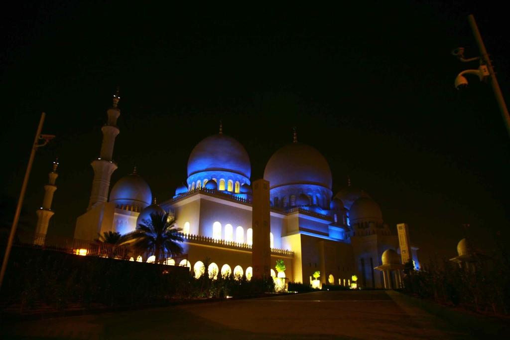 世界で1番建築費用がかかってるシェイク・ザーイド・モスク