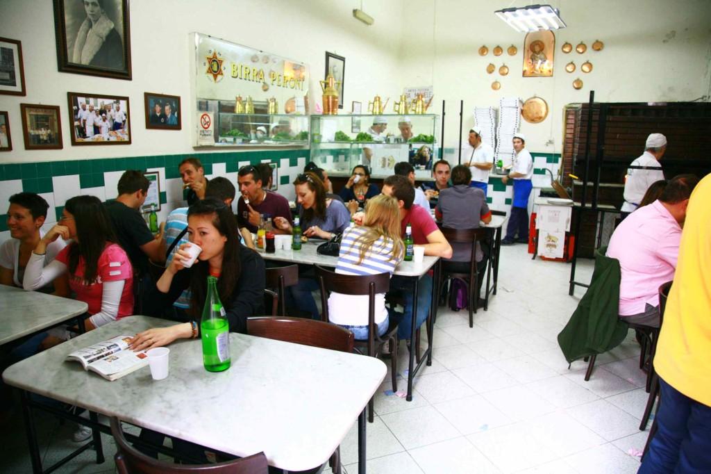L'Antica Pizzeria da Micheleの店内