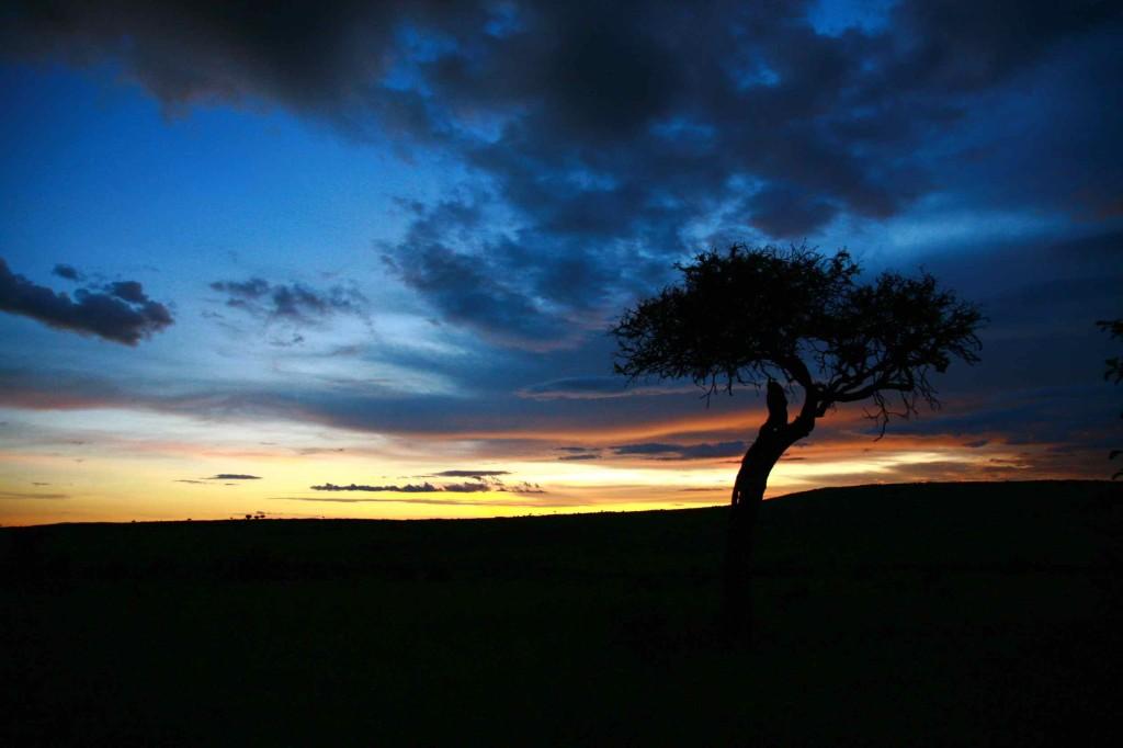 ケニア、マサイマラ国立公園で見た夕日。