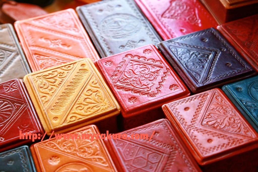 マラケシュの伝統工芸館で売ってたモロッコ雑貨。