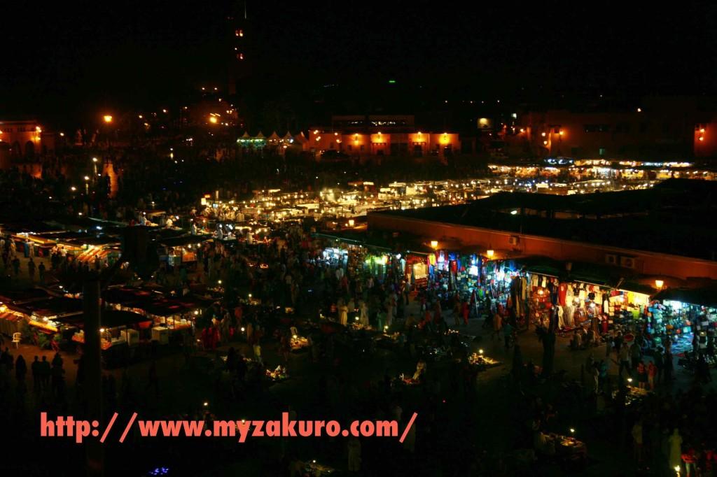 マラケシュ•フナ広場の夜景