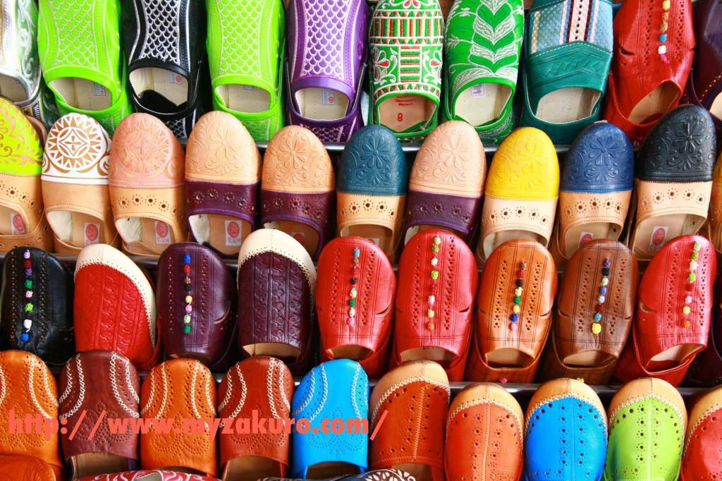 マラケシュの伝統工芸館で購入したモロッコサンダルのバブーシュ