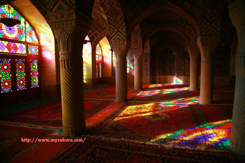 イランのシーラズにある「マスジェデ・ナスィーロル・モスク」