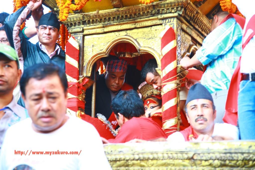 ネパールの大祭、インドラ・ジャトラでネパールの生き神「クマリ」を撮影する方法