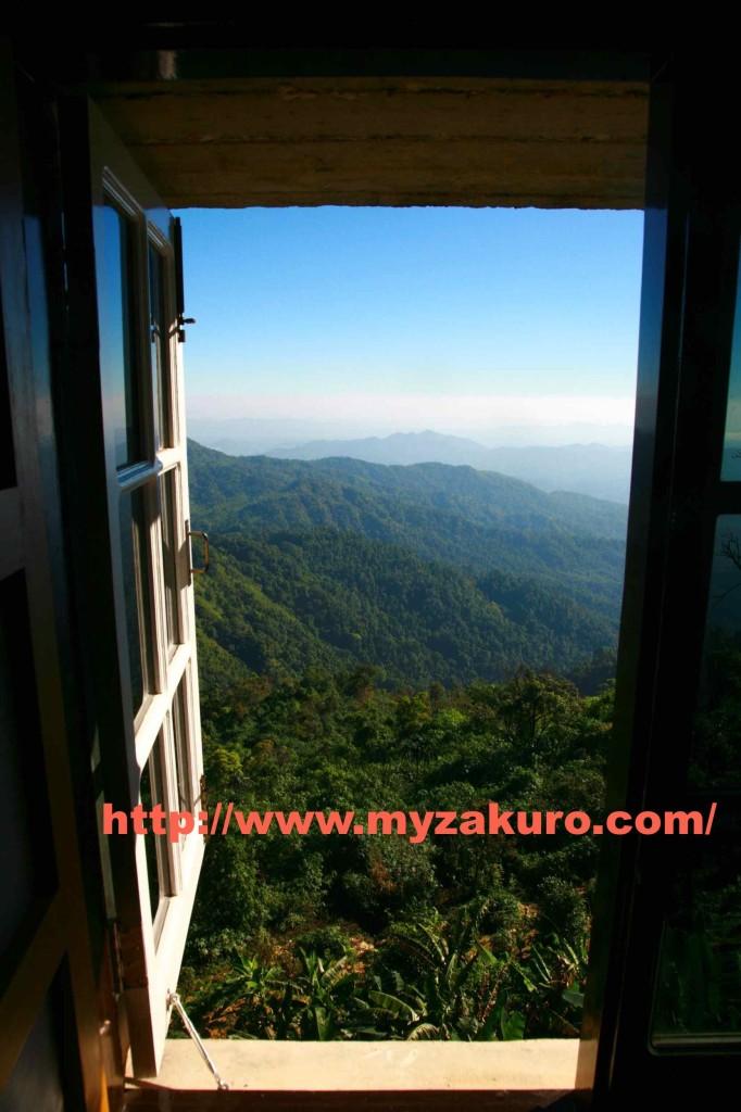 Mountain Top Hotelの部屋から見た景色が美しかった。100ドル払う価値はこの景色にあり。