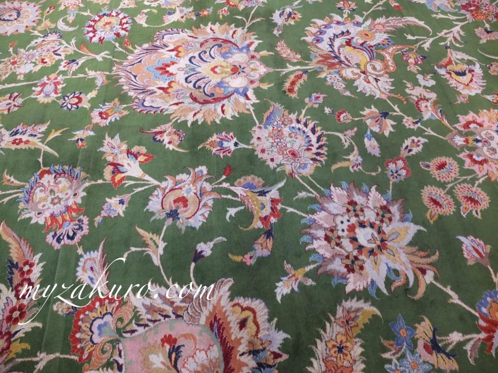シェイク・ザーイド・モスク内のペルシャ絨毯
