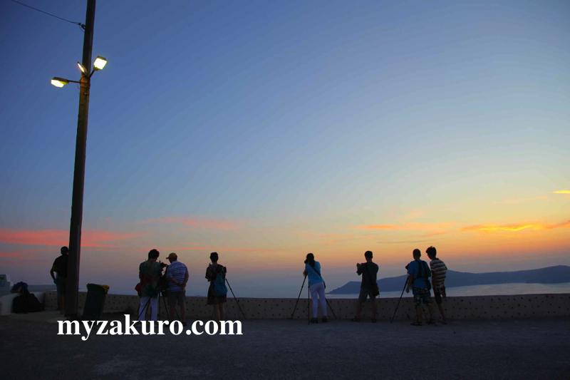 夕焼けの撮影はそこそこの人が集まります。